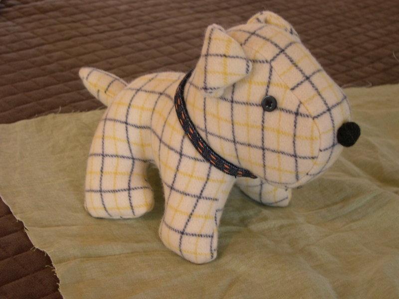 A scotty dog and a lemon cake - whileshenaps.com